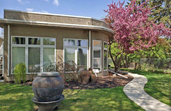 1131 Spadina Cres, Saskatoon, SK - 2 Bed House for Rent - Exterior 2