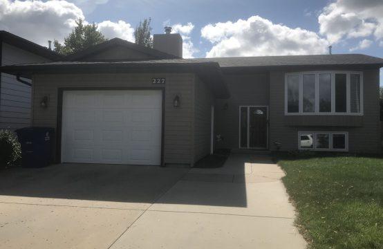 Silverwood Area, Beautiful Full Family Home!