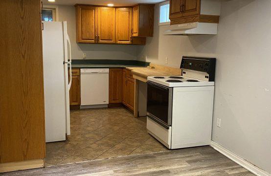 Bright 2 Bedroom Basement Suite in Nutana Park