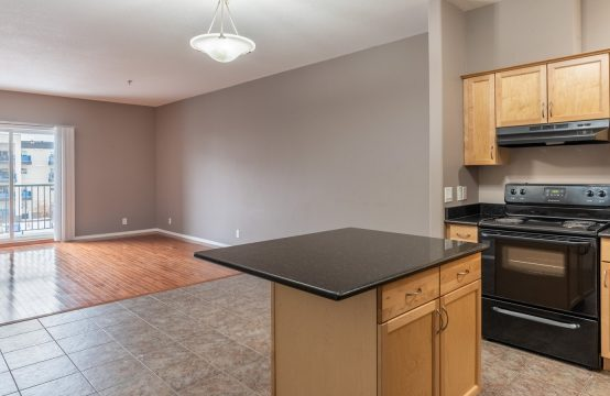 Platinium Heights 2-Bdrm, 2-Bath, 3rd floor Condo
